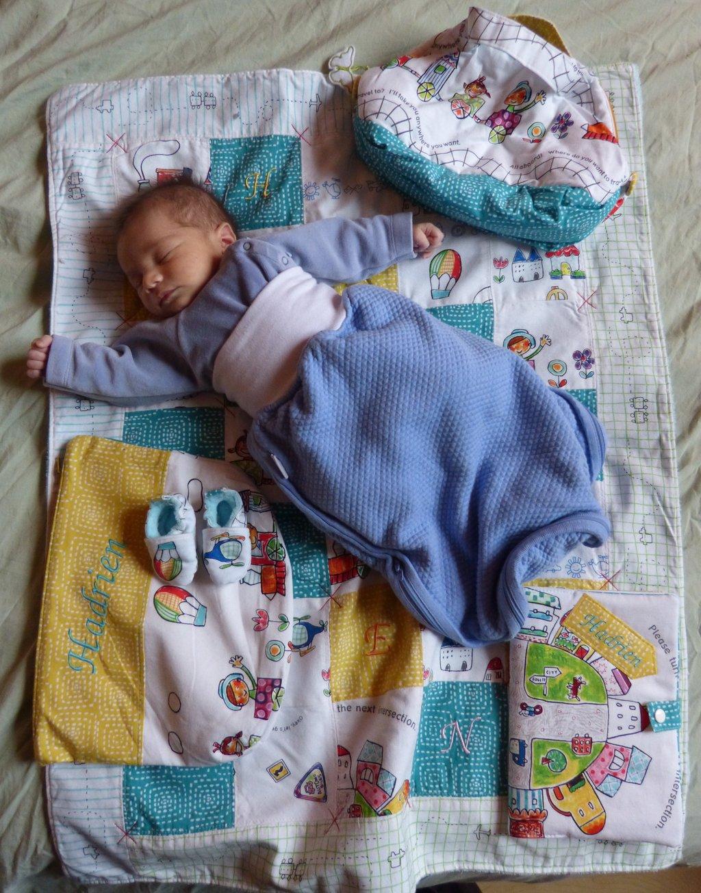 42054ce44d04 Les chaussons que fait ma copine Barbara pour les bébés ♥